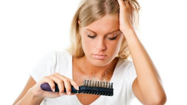 Zbulohet kura e rënies së flokëve, vjen nga Anglia