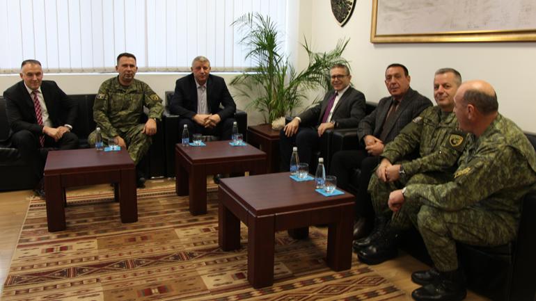Sylejman Selimi vizitoi sot Ministrinë e Mbrojtjes dhe FSK-në