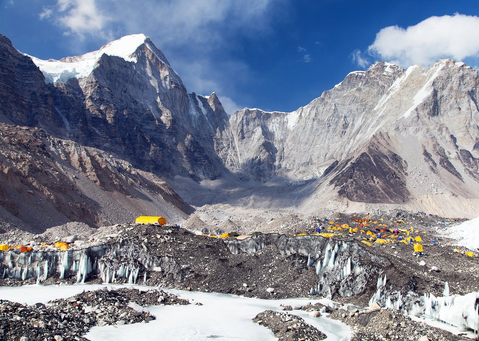 Kina mbyll kampin bazë të turistëve në Tibet, shkak mbeturinat