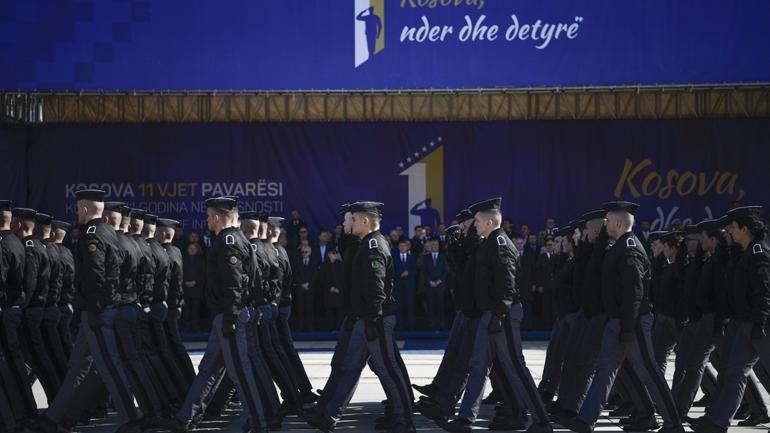 Thaçi: Ushtarët, sportistët dhe artistët, krenaria e 11 Vjetorit të Pavarësisë
