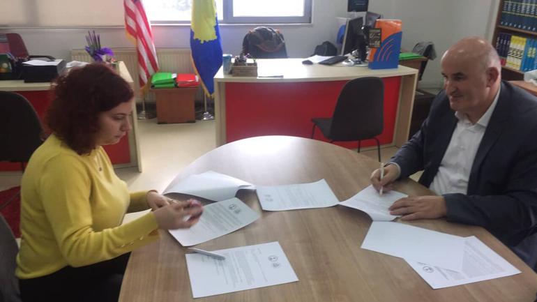 """Mësimdhënës të Vitisë, pjesë e trajnimit: """"Këshillime për studime në SHBA dhe bursa"""""""