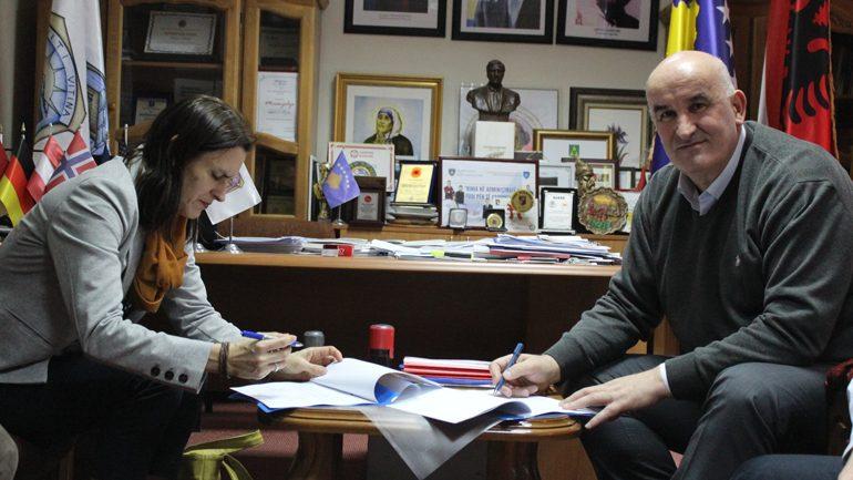 Vitia dhe Caritasi zviceran nënshkruajnë marrëveshje bashkëfinancimi për promovimin e prodhimtarisë bujqësore