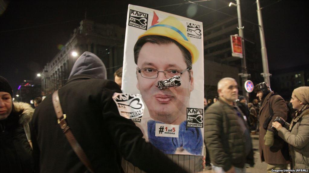 Vazhdojnë protestat në Serbi, kërkohet dorëheqja e Vuçiqit