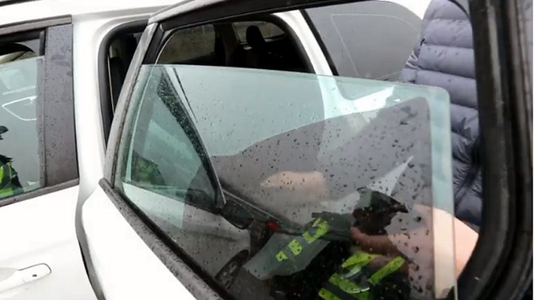 Nën llupën e policisë, automjetet me xhama të errësuar