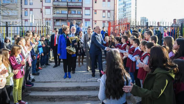 Haradinaj: Dita e Mësuesit, 7 Marsi, bëri kthesën në realitetin tonë