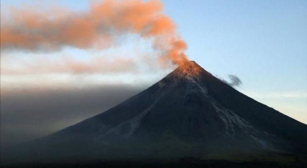 Vulkani Merapi shpërthen në Indonezi