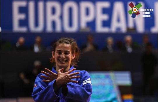 Nora Gjakova kalon në gjysmëfinale të Grand Prixit