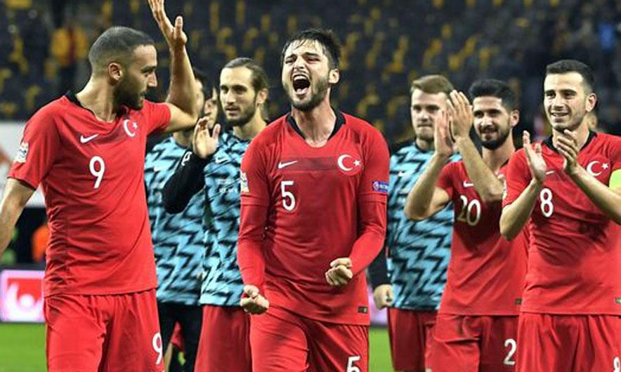 Turqia rikthen trajnerin pas 15 vitesh