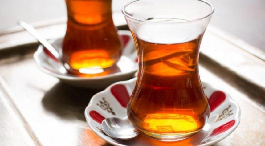 Gjashtë fakte për çajin e zi dhe jo të rusit!