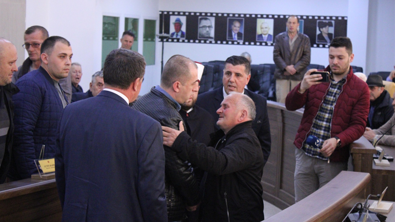 Familjet Çoçaj dhe Avdija shtrijnë dorën e pajtimit