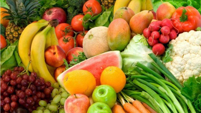 Vitamina C fshihet në këto fruta, mos i anashkaloni