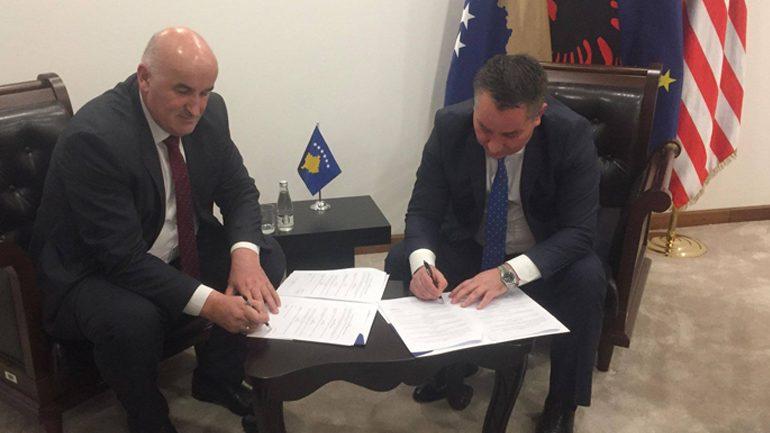 Nënshkruhet marrëveshje mirëkuptimi për rrugën alternative te Stubllës së Epërme dhe për rrugën e Korbliqit
