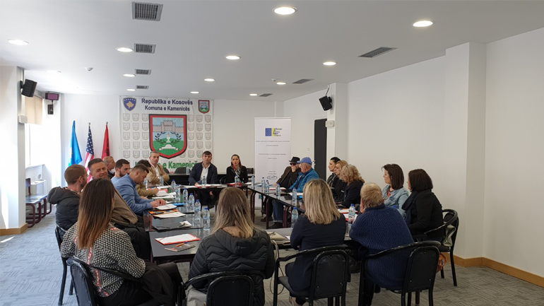 U mbajt tryeza në lidhje me vetëdijesimin e qytetarëve për të qenë pjesë e vendimmarrjes