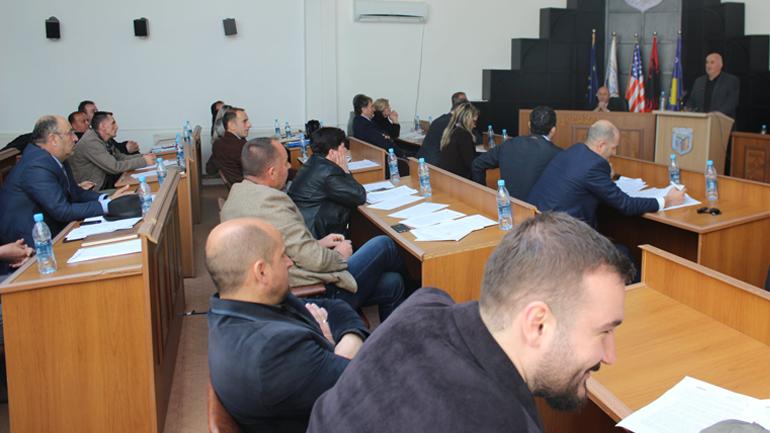 U mbajt seanca e tretë e rregullt e Kuvendit Komunal të Vitisë
