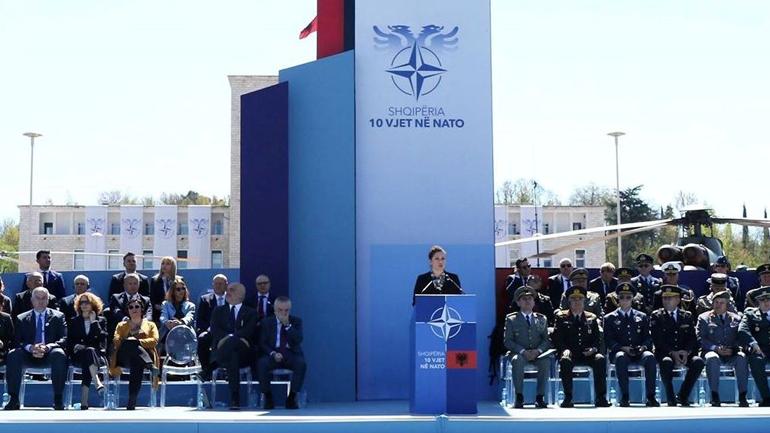 Berisha dhe Rama morën pjesë në shënimin e 10-vjetorit të anëtarësimit të Shqipërisë në NATO