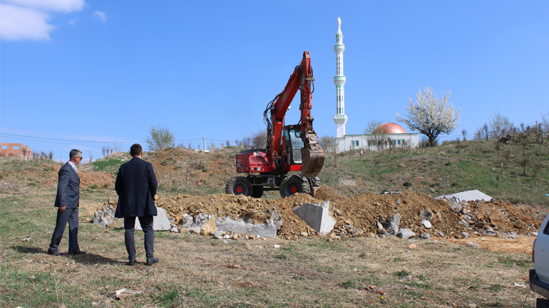 Gjilani rrënon një objekt, po ndërtohej në pronën komunale