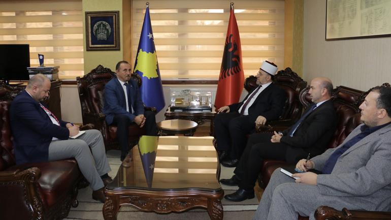 Ministri Mustafa ka takuar përfaqësuesit e bashkësive fetare në Kosovë