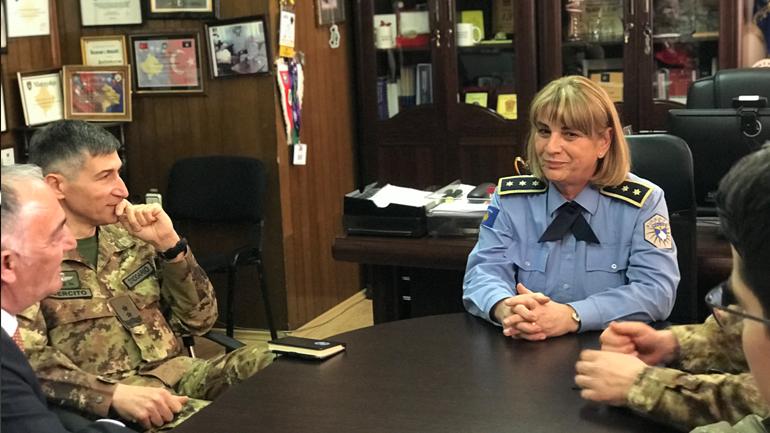 Komandanti i KFOR-it ka vizituar Drejtorinë Rajonale të Policisë në Gjilan
