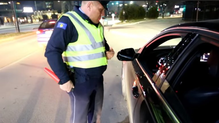 Policia shqipton 1 mijë e 126 gjoba për 24 orë!