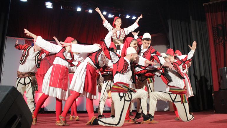 """Ansambli """"Hasan Prishtina"""" nga Vushtrria fituese e Festivalit """"Flakadani i Karadakut 2019"""""""