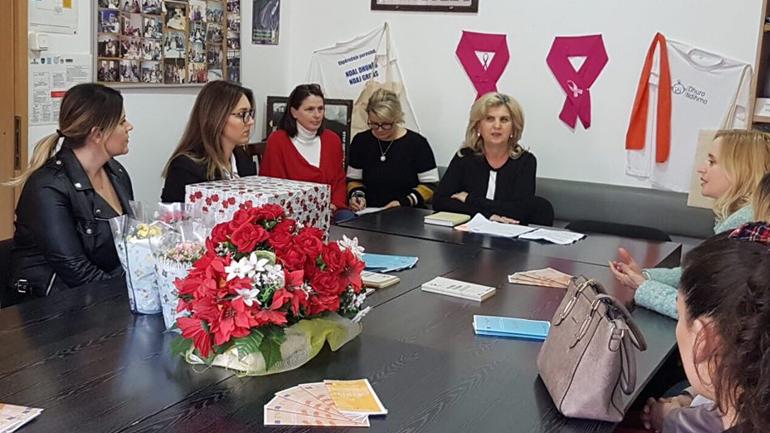 """Gratë aktiviste të Vetëvendosjes vizituan Qendrën """"Liria"""""""