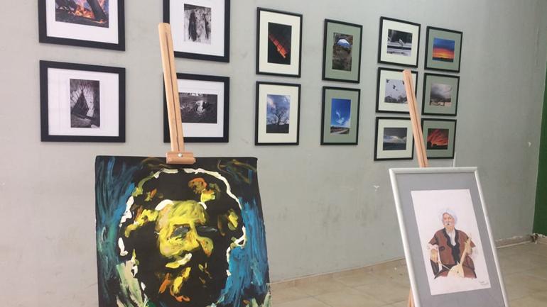 """Hapet ekspozita """"Reflektimi"""" me punime të nxënësve të shkollës së mesme të artit pamor"""
