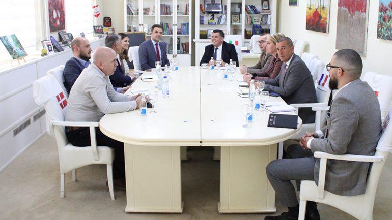 Haziri dhe drejtori i KEDS Alper Erbas, konfirmojnë bashkëpunim në efiçiencë të energjisë