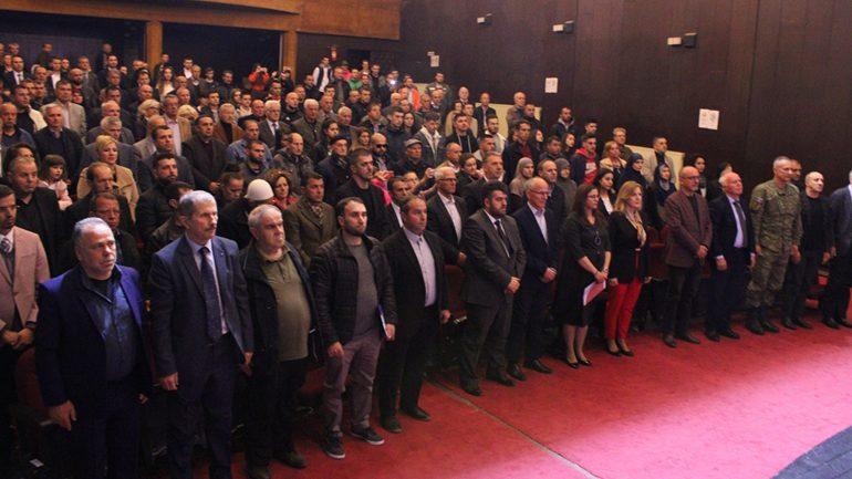 Haziri kërkon nga organet e drejtësisë zbardhjen e masakrës së Llovcës