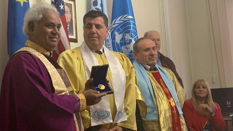 "Akademia Universale e Paqes Globale nderon Lutfi Hazirin me çmimin ""Nelson Mandela"""