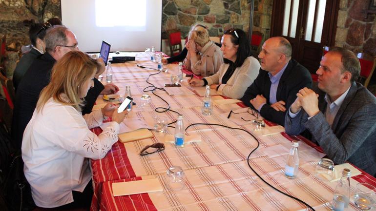 OSBE organizon takim për vazhdimin e procesit të zgjedhjes së këshillave të fshatrave dhe lagjeve