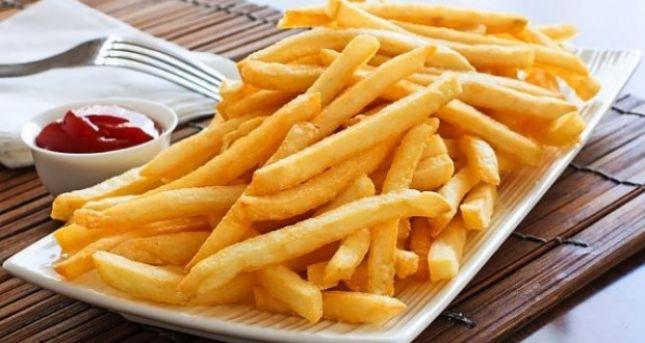 Largoni patatet e skuqura nga pjatat tuaja