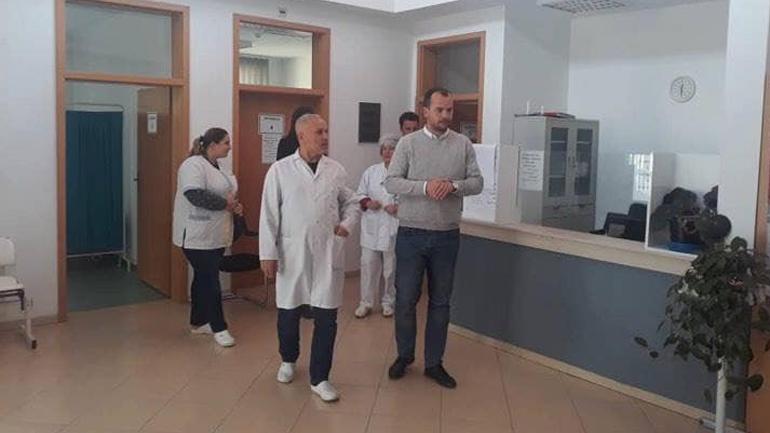 Kastrati viziton Qendrën Mjekësore Familjare në Roganë