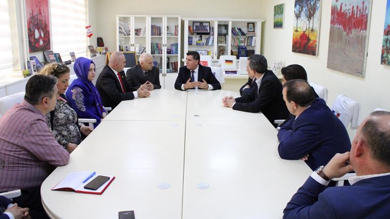 """Haziri pret ne takim delegacionin e shoqatës kulturore """"Kosova dhe Shkupi"""""""