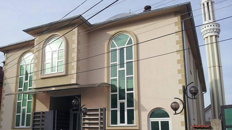 Vjedhë në arkën e xhamisë, prokuroria kërkon që i dyshuari të paraburgoset për 30 ditë