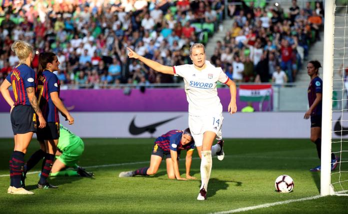 Njihuni me yllin e futbollit të femrave, 254 ndeshje-255 gola
