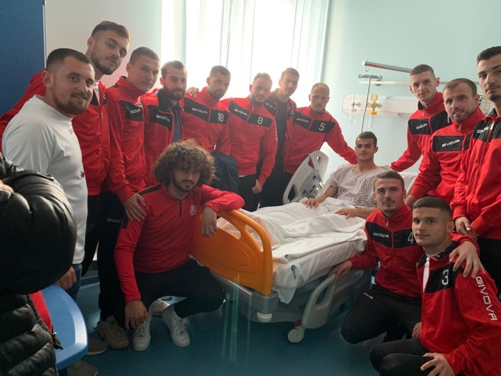 Bashkimi i Koretinit viziton futbollistin e lënduar të Llapit