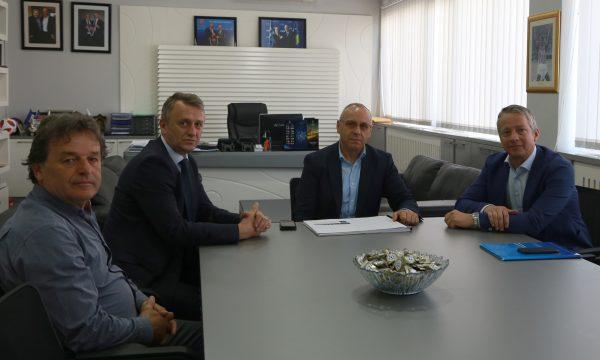 FFK dhe UEFA me projekte strategjike për futbollin kosovar