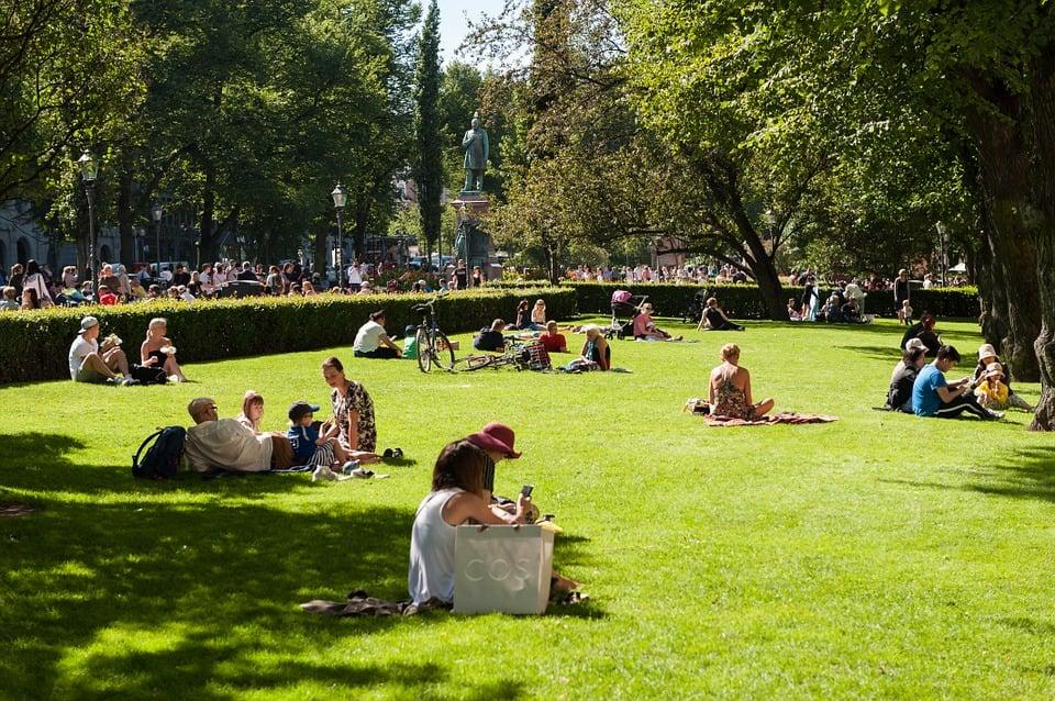 Finlanda po ofron udhëtime falas për ta shijuar lumturinë!
