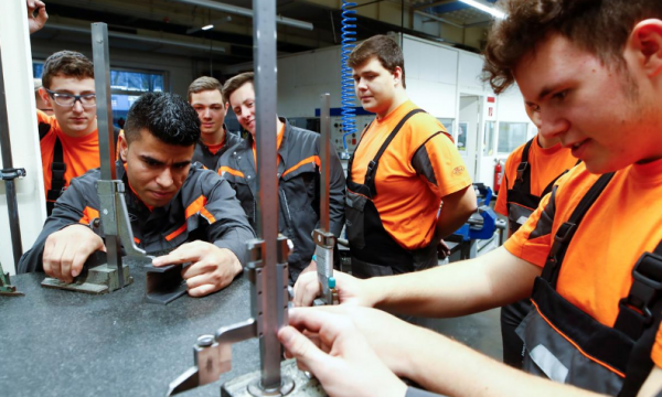 Gjermania shpenzon miliardat për integrimin e refugjatëve