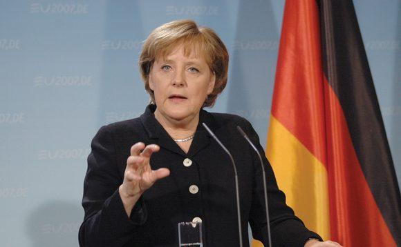 Sondazh, gjermanët nuk e duan largimin e Merkelit