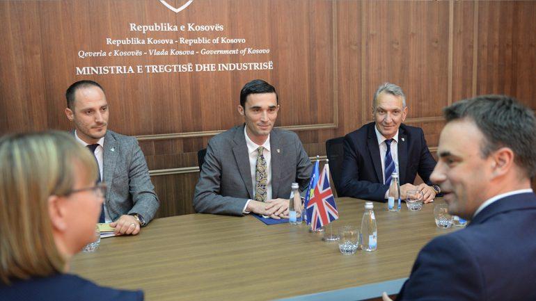Ministri Shala dhe ambasadori O'Connell flasin për përkrahjen ekonomike të Kosovës
