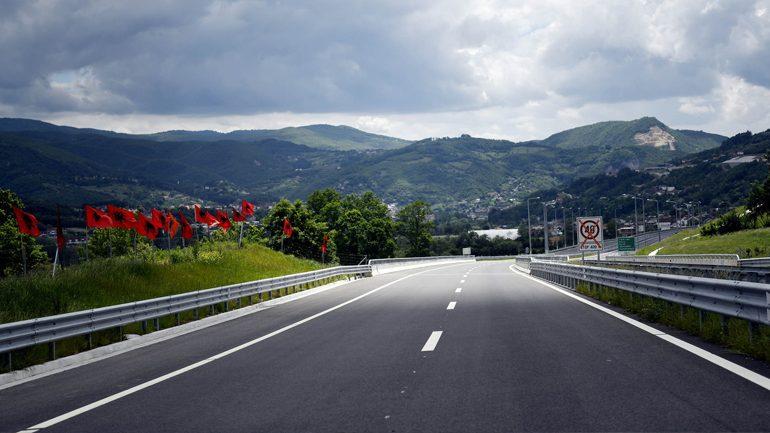 "Thaçi: Autostrada ""Arbën Xhaferi"", projekt madhor i shtetit tonë"