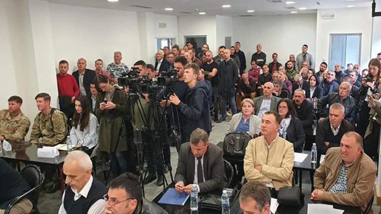 Mbahet diskutimi publik me qytetarë për ndërtimin e digave ujore në Kamenicë