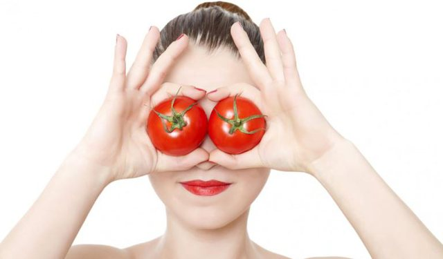Luftoni dhe zhdukni aknet me domate