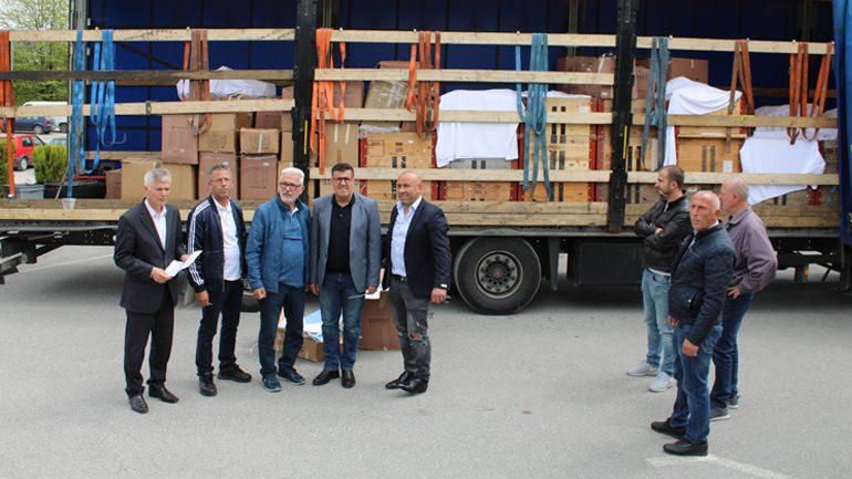 Besnik Benz ofron donacion pajisje sanitare për mjekësinë gjilanase