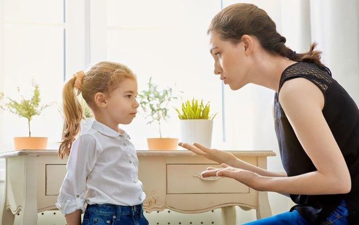 """Gjashtë këshilla nga psikologët për të rritur fëmijë """"të mbarë"""""""