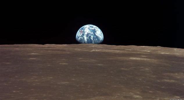 NASA: Hëna po tkurret dhe zvogëlohet