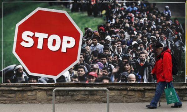 BE akuzon Hungarinë se po nxit urrejtje ndaj emigrantëve