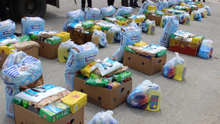 """Shoqata Humanitare Bamirëse """"Jetimat e Ballkanit"""" ndihmon 55 familje vitiase"""