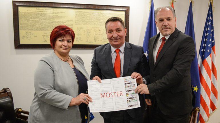 Testi për patentë shoferë tash edhe në gjuhën turke
